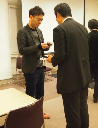 第6回横浜ベンチャーピッチ名刺交換